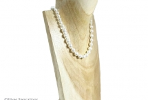 White-pearls-wedding-necklace